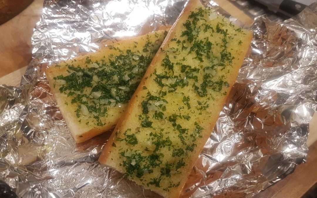 Cooked garlic bread